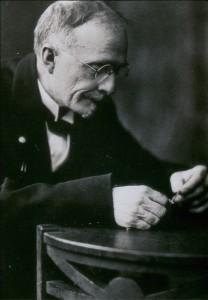 Portrait_of_Chevalier_Jackson,_autographed._Wellcome_M0017924