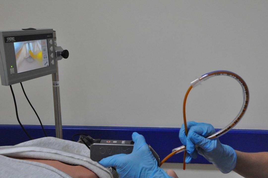 Photo of Entübasyon için Gum Elastik Buji (Bougie) kullanımı